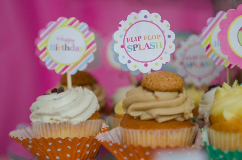 Tiny cupcakes and mini signs